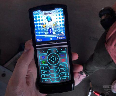 Обзор Moto RAZR (5G): Раскладушка-феникс второго поколения