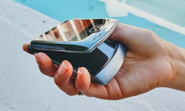 Стоимость Motorola Razr 5G в России! Предзаказ