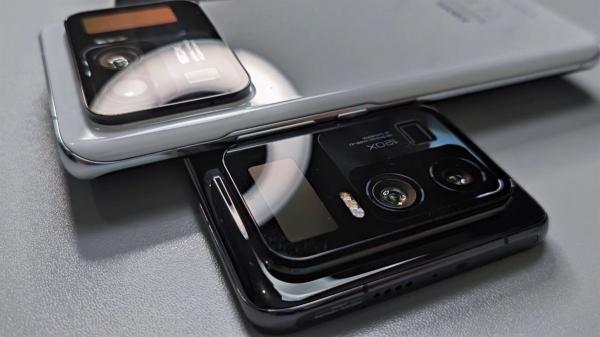 Задник Xiaomi Mi 11 Pro в разных расцветка засветился на видео