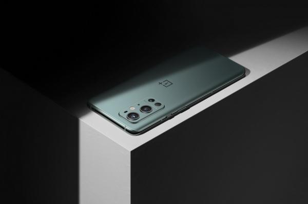 Стала известна вторая расцветка для OnePlus 9 Pro