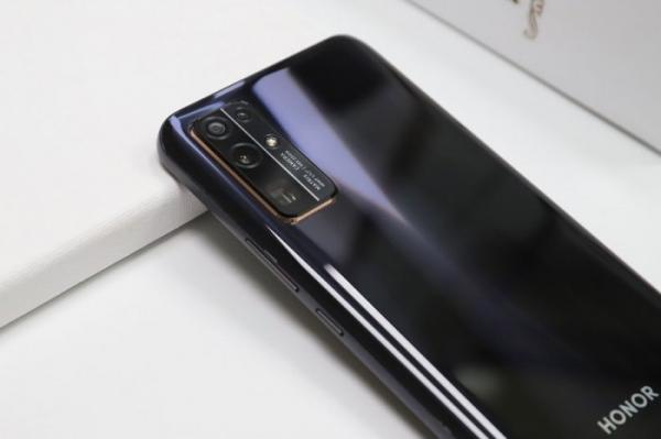 Смартфоны Honor обновятся до HarmonyOS 2.0