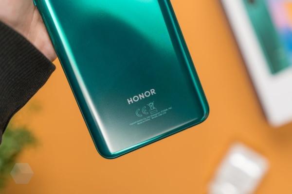Huawei тестирует HarmonyOS 2.0 на популярных девайсах от Honor