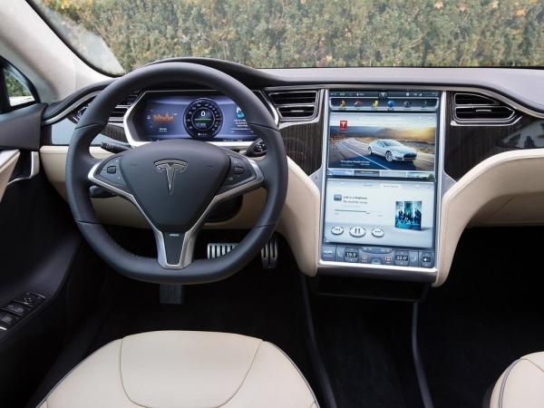 История компании Tesla. Как она изменили автомобильный рынок?