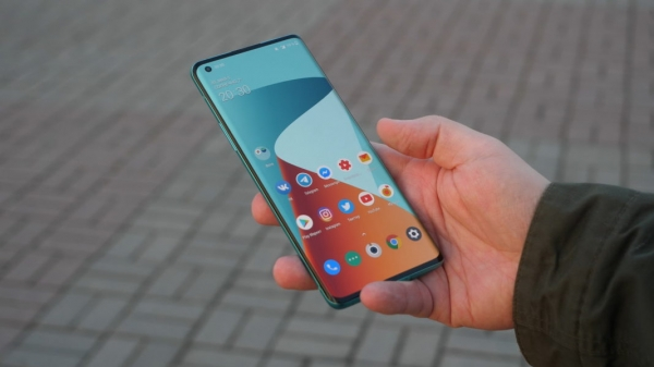 Android 12 на OnePlus 8, 8 Pro и 8Т может не появится в 2021 году