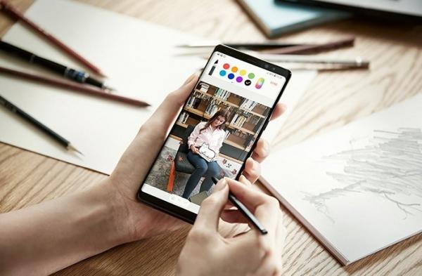 Samsung прощается с флагманом Note 8